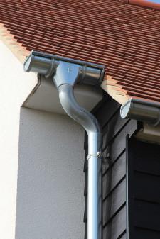 Laat je dakgoten vervangen in Gouda, kies voor een aluminium dakgoot met aluminium regenpijp